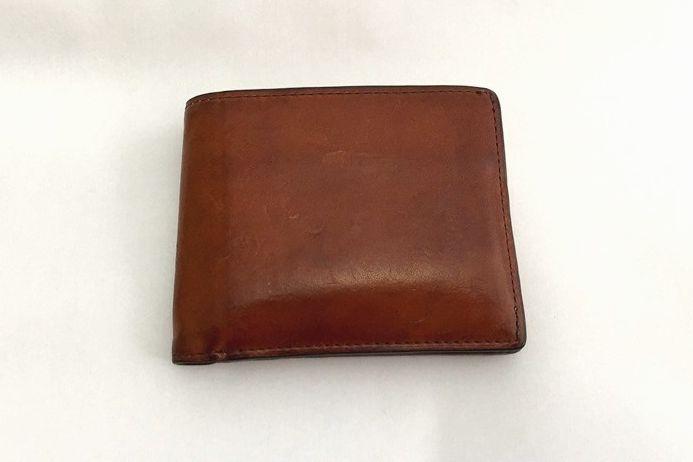マットーネ 二つ折り財布